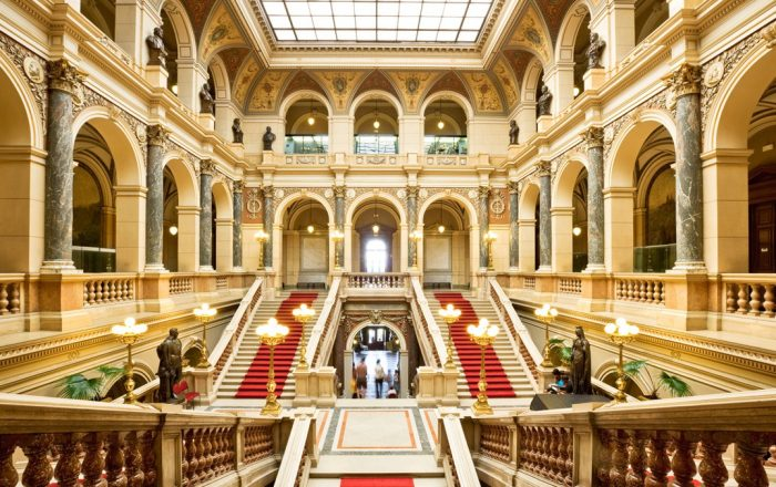 Movies filmed in Prague | National Museum © iStock-Nikada